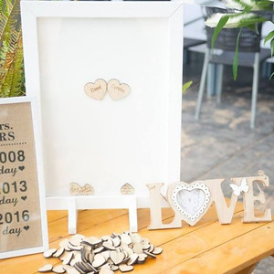 32530 Wish frame with wooden message hearts