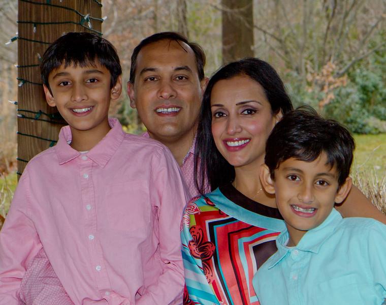 2016 12 Pabla Family Photo Session (23)_1.JPG