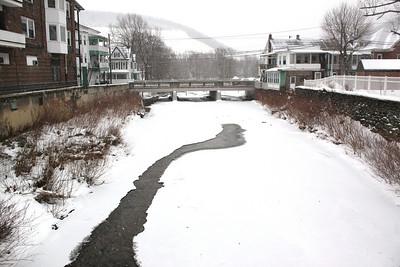 Snow Photos, Morning, Tamaqua (1-26-2011)