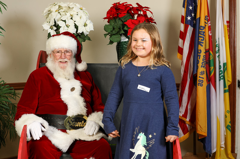 TBTP 2019 Photos with Santa-58.JPG