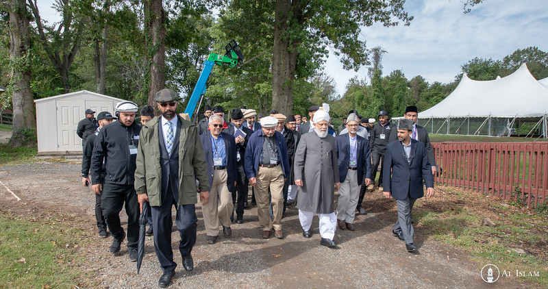 Huzur Trip of USA 2018, Tuesday, BTR Inspection-2576.jpg
