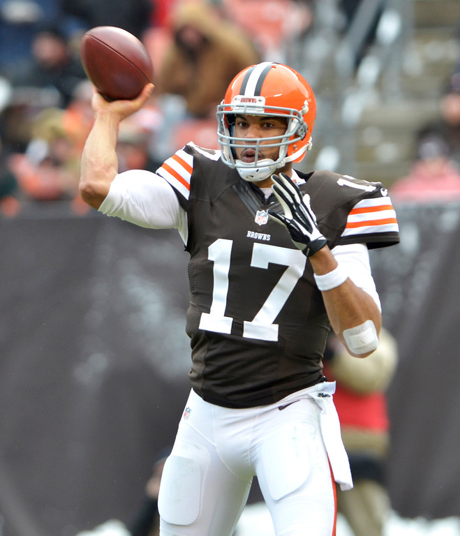 . News-Herald file Browns quarterback Jason Campbell looks to pass in the first half of the Browns\' loss Sunday to the Chicago Bears at First Energy Stadium.