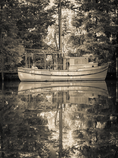 boat_mirror.jpg