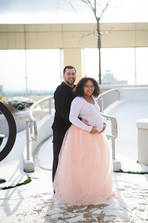 Naylee and Daniel Maternity