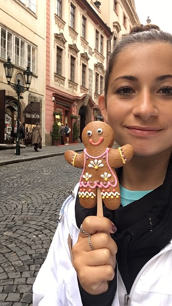 20170921-1001 Samantha Takes Europe