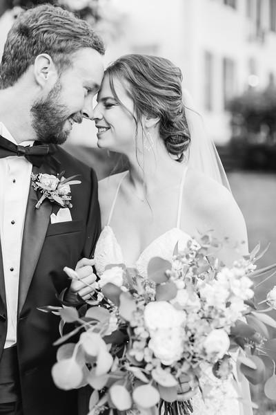 455_Ryan+Hannah_WeddingBW.jpg