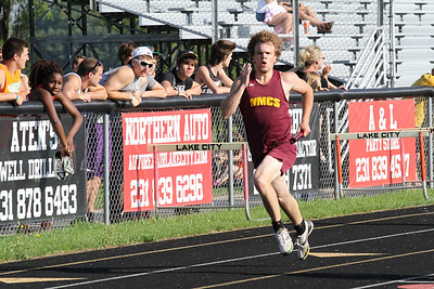 2013 MHSAA Highland Conference Boys 800 Meter Relay