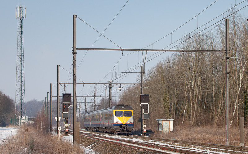 In February 2012 AM80 Break 434 was running personnel familiarization trips. Here it forms the 14940 passing through Remersdaal eastbound.