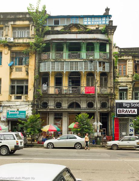 Yangon August 2012 417.jpg