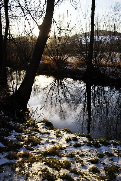 Jen pár metrů od penzionu protéká Svratka.