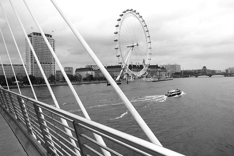 4120_London_London_Eye_bw2.jpg