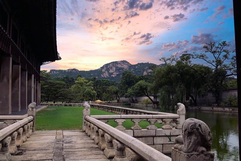 Sunset at Gyeongbokgung Palace