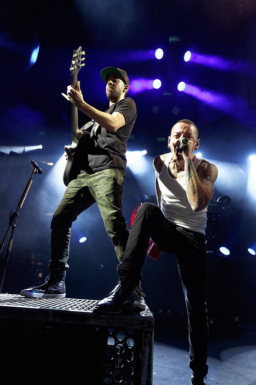 . Mike Shinoda and Chester Bennington of Linkin Park performs at DTE Energy Music Theatre on Aug. 30, 2014. Photo by Ken Settle
