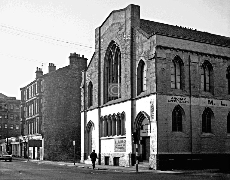 Kingston St and Commerce St, northwest corner.  Tradeston Gaelic UF Church.     September 1973
