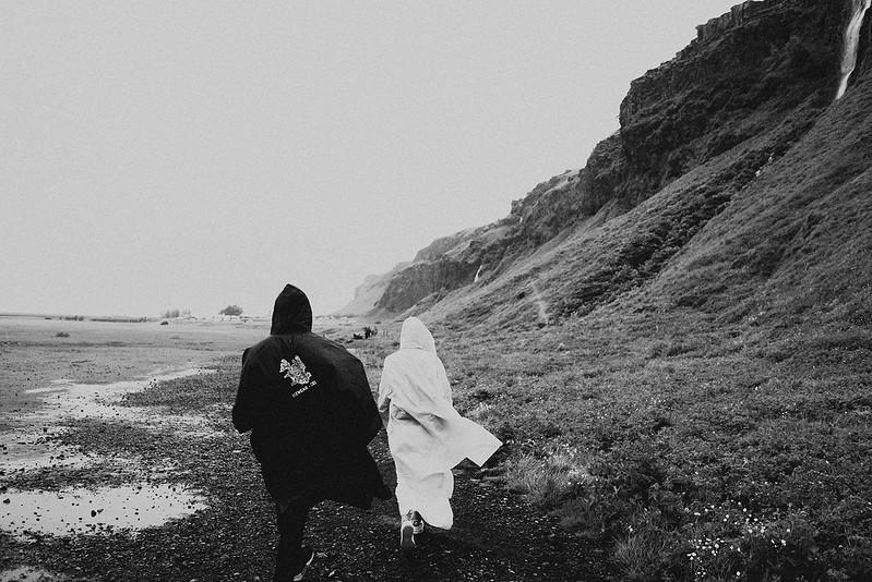 Tu-Nguyen-Destination-Wedding-Photographer-Iceland-Elopement-Fjaðrárgljúfur-16-155.jpg