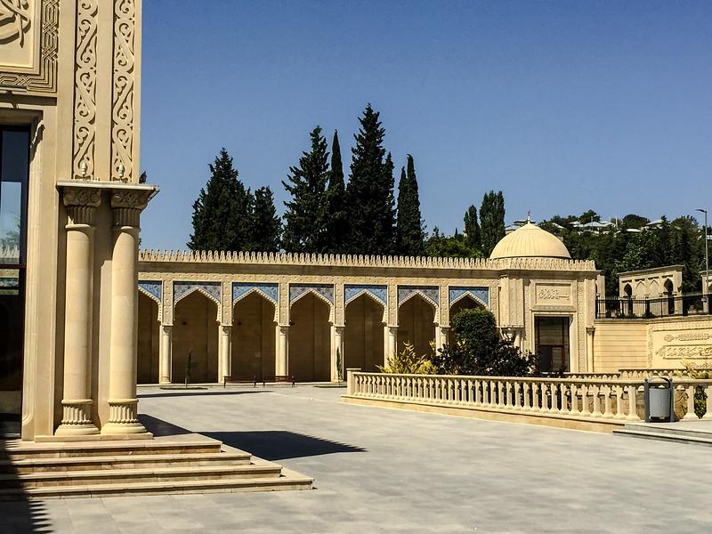 Azerbaijan.ShamahaMosque144.jpg