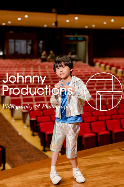 0089_day 1_orange & green shield portraits_red show 2019_johnnyproductions.jpg