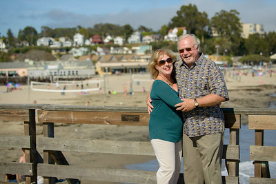 6490_d800b_Michael_and_Rebecca_Capitola_Wharf_Couples_Photography