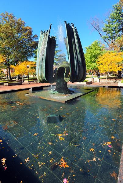 memorial fountain2269.jpg