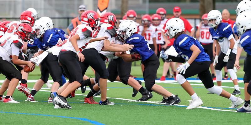 9.15.20 CSN MS Football vs ECS-34.jpg