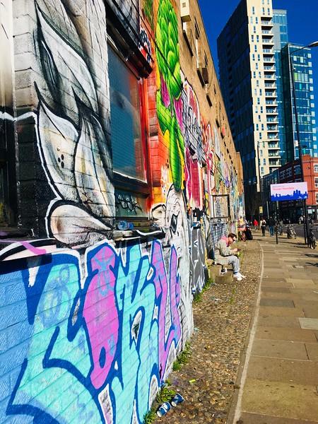 Brick Lane graffiti(2).JPG