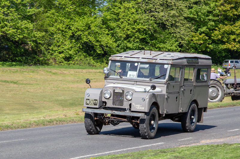 983UYV 1958 Land Rover 107SW