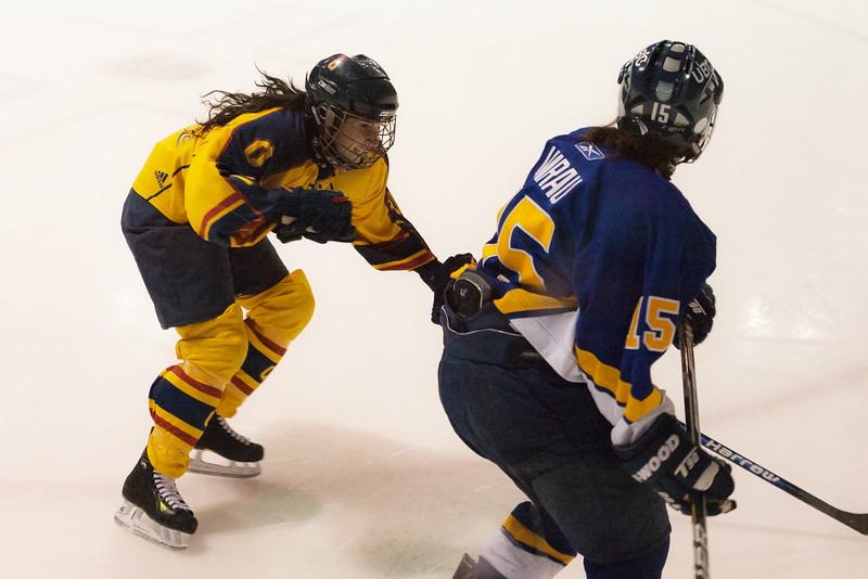 20130310 QWHockeyvsUBC 488.jpg