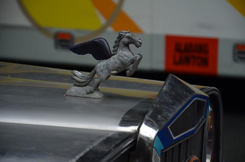 DSC_6346-flying-horse-hood-ornament.JPG