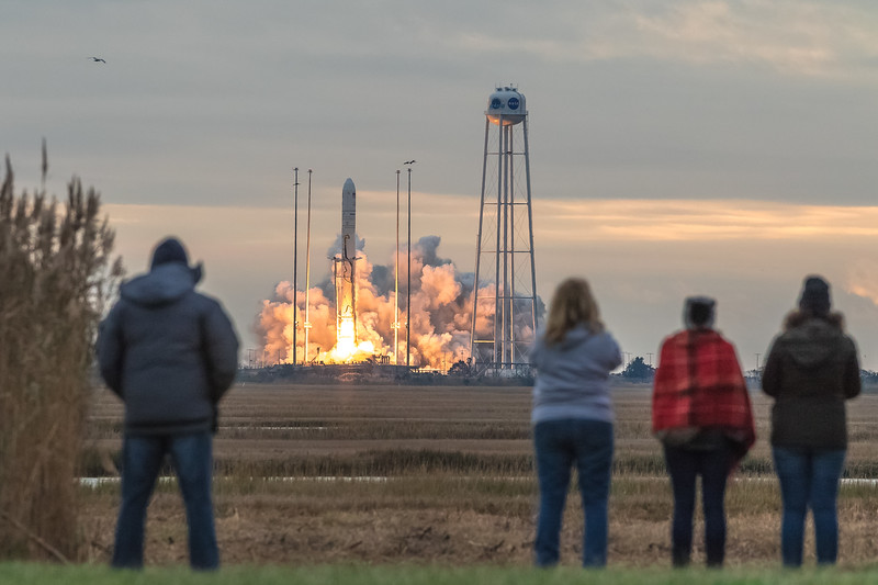 Orbital ATK OA-8 Launch second attempt-9021.jpg