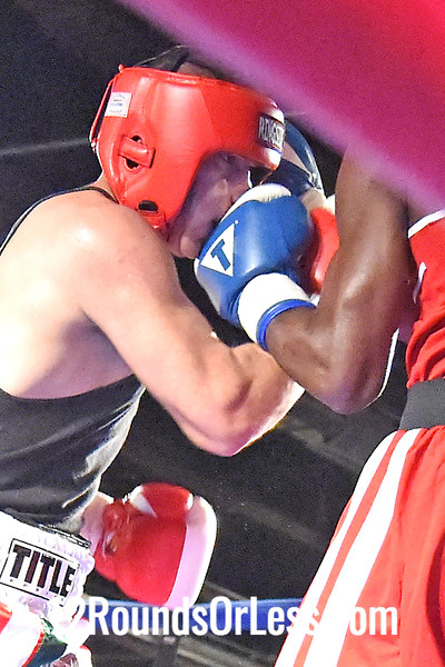 Bout #10 Osvaldo Meja, Torres BC, Chicago, IL -vs- Levi Patterson, Empire BC, Cleveland, Box Off, 165 lbs