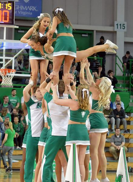 cheerleaders8271.jpg