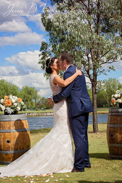 Wedding photo - crowne hunter valley - jessie d images 12.jpg