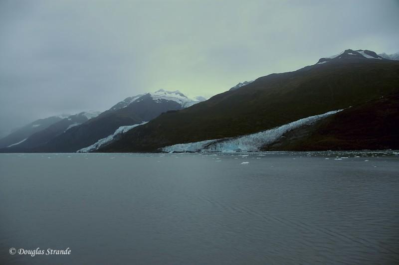 0509040650_GlaciersInTheMist.jpg