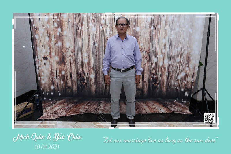 QC-wedding-instant-print-photobooth-Chup-hinh-lay-lien-in-anh-lay-ngay-Tiec-cuoi-WefieBox-Photobooth-Vietnam-cho-thue-photo-booth-089.jpg