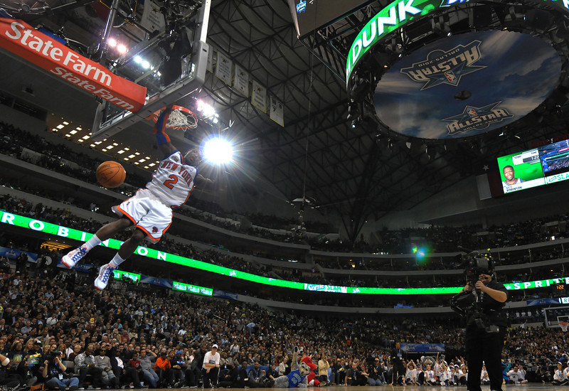 . Nate Robinson #2 of the New York Knicks slam dunks during the Sprite Slam Dunk Contest on All-Star Saturday Night, part of 2010 NBA All-Star Weekend, at American Airlines Center in Dallas, Texas, on February 13, 2010. AFP PHOTO/Jewel SAMAD