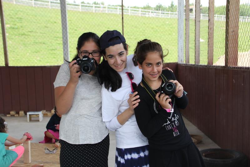kars4kids_thezone_camp_GirlDivsion_workshops_Photography (36).JPG