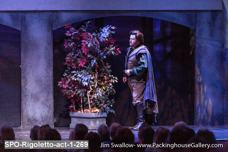 SPO-Rigoletto-act-1-269.jpg