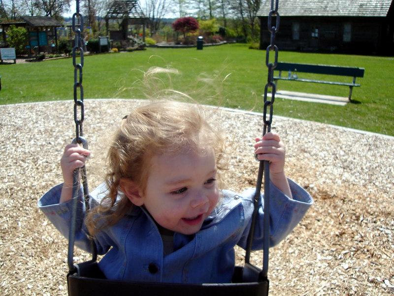 0422.DSC01023.JenningsPark-Swinging.jpg