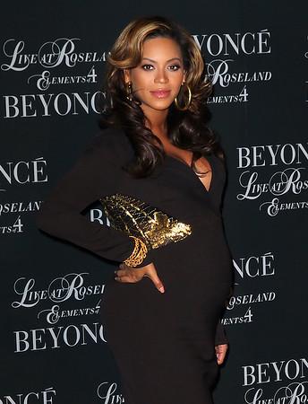 2011-11-20 - Beyonce