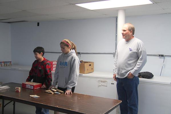 2013,  Oak Grove Baptist helps make Christmas boxes