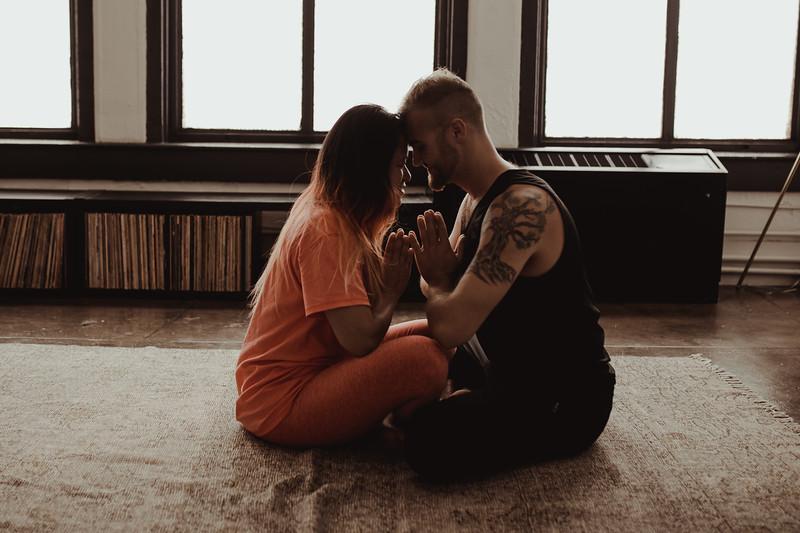 Jenny_Rolapp_Photography_partner_yoga-28.jpg