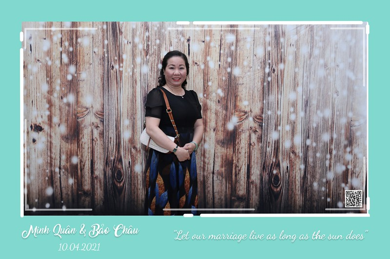 QC-wedding-instant-print-photobooth-Chup-hinh-lay-lien-in-anh-lay-ngay-Tiec-cuoi-WefieBox-Photobooth-Vietnam-cho-thue-photo-booth-014.jpg