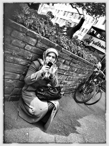 Caught - Cologne - Shooting from the Hip - iPad