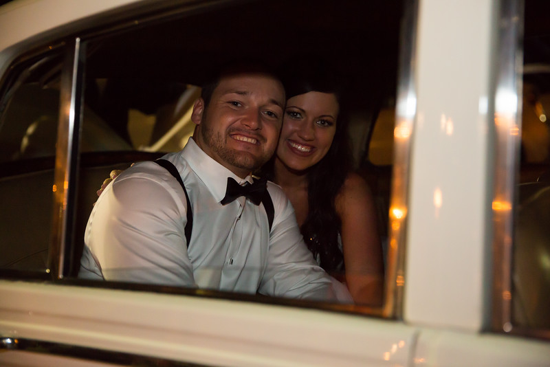 1201_Josh+Lindsey_Wedding.jpg