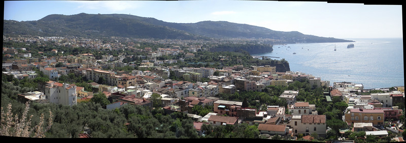Sorrento coastline view from lookout.jpg