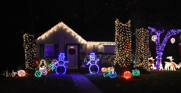 PHOTOS: Holiday Lights