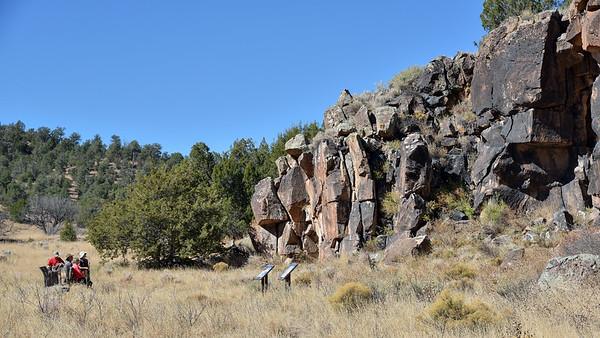 Cruzville petroglyphs hike