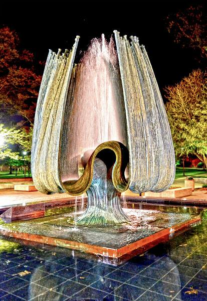 fountain1464.jpg