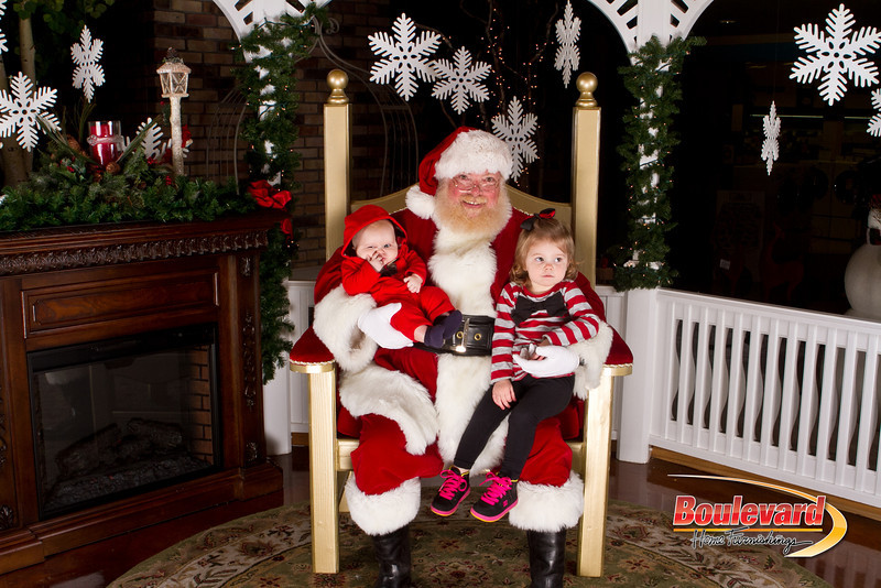 Santa Dec 15-268.jpg
