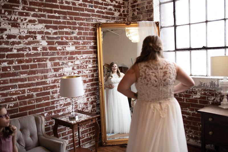 Kathryn getting ready K&M-209.jpg